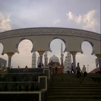 Photo taken at Masjid Agung Jawa Tengah (MAJT) by Inderazainul M. on 11/15/2012