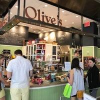 Das Foto wurde bei Olive's von Max S. am 4/29/2017 aufgenommen