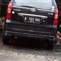 Photo taken at Jati Kramat Car Wash by adinda l. on 4/19/2013