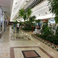 Foto tirada no(a) Rio Preto Shopping Center por Rodolpho M. em 6/14/2013