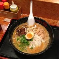 Photo taken at Terakawa Ramen by Tokuyuki K. on 9/28/2012