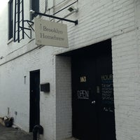 Photo taken at Brooklyn Homebrew by Tokuyuki K. on 2/2/2013