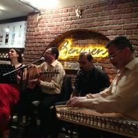 5/24/2013 tarihinde Mehmetziyaretçi tarafından Benusen Restaurant'de çekilen fotoğraf