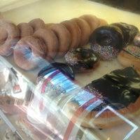 Photo taken at Ta Ta Hot Bread by Philip B. on 8/28/2013