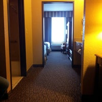 Photo taken at Holiday Inn Express Hotel & Suites San Antonio – Downtown Market Area by Pedro H. on 1/14/2013