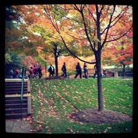 Foto tirada no(a) George Mason University por Kelly Anne J. em 10/16/2012