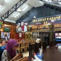 Photo taken at RM Sari Laut Mas Joko Raja 99 by Anthonny A. on 1/9/2014