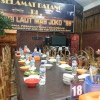 Photo taken at RM Sari Laut Mas Joko Raja 99 by Anthonny A. on 8/12/2016
