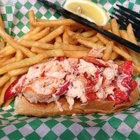 Photo prise au Yankee Lobster par Claudia G. le5/18/2013