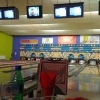 Photo taken at Zelluloos Bowling by Jelizaveta R. on 9/24/2012
