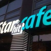 Photo prise au StarHit par Ekaterina K. le9/17/2012
