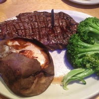 Photo taken at Logan's Roadhouse by Mark P. on 3/25/2013