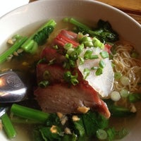 Photo taken at Mee-Sen Thai Eatery by Andrew D. on 12/5/2013