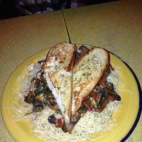 Das Foto wurde bei 821 Cafe von Shivani D. am 2/15/2013 aufgenommen