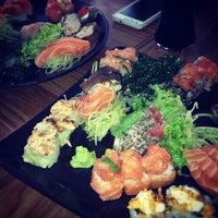 Foto tirada no(a) Kawa Sushi | 川 por Thais B. em 9/14/2012
