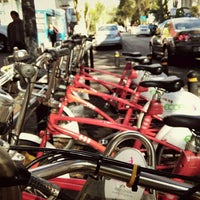 Photo taken at Ecobici 84 by Caminαλεχ 🚶 on 1/6/2016