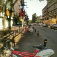 Photo taken at Ecobici 84 by Caminαλεχ 🚶 on 6/25/2015