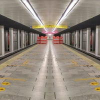 Photo taken at Metro Salto Del Agua [Líneas 1 y 8] by Caminαλεχ 🚶 on 9/14/2017