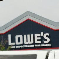 Photo taken at Lowe's Home Improvement by Kendrick on 9/28/2012