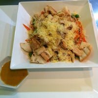 Photo taken at Verde Salada & Fitness Food by Javier M. on 5/6/2013