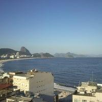 Das Foto wurde bei Copacabana Rio Hotel von Rodrigo H. am 2/20/2013 aufgenommen