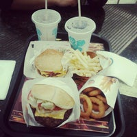 Photo taken at Burger King by Leticia R. on 9/20/2012
