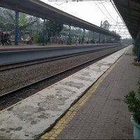 Photo taken at Stasiun Pondok Cina by Ochi S. on 6/16/2013