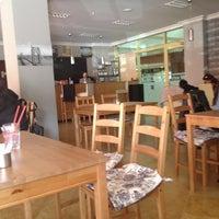 รูปภาพถ่ายที่ W Cafe Brasserie โดย Betül S. เมื่อ 4/24/2013