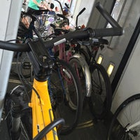 Foto diambil di Expo / Western Metro Station oleh Allan D. pada 10/18/2015