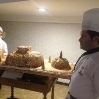 10/6/2012 tarihinde Mary A.ziyaretçi tarafından Q Premium Restaurant'de çekilen fotoğraf