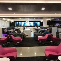 Photo taken at Air New Zealand Koru Lounge by Dion H. on 6/20/2017