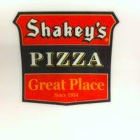 Photo taken at Shakey's Dau by Kris daniel C. on 8/17/2013