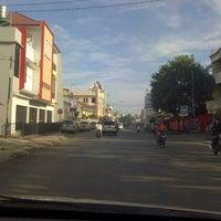 Photo taken at Perempatan POLDA by Kenny Saja on 5/16/2013