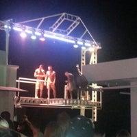 รูปภาพถ่ายที่ Ice Club & VIP Lounge โดย Gökçek B. เมื่อ 7/6/2013