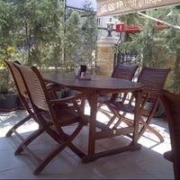 8/8/2013 tarihinde sıla t.ziyaretçi tarafından Lalezar Restaurant ve Cafe'de çekilen fotoğraf