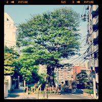 Photo taken at 善光寺坂 by kusakabe on 5/4/2013