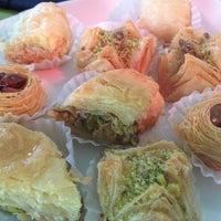 Foto tomada en Shukran por Sara M. el 12/30/2012