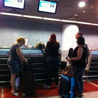 Photo taken at Check-in LATAM by Jaqueline G. on 5/14/2013