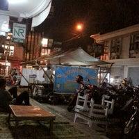 Photo taken at Bubur kacang ijo Pecinan by panji a. on 10/29/2012