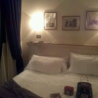 Foto scattata a Metropolitan Hotel da spy26s il 12/27/2012