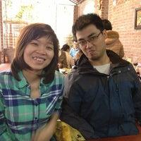 Photo taken at Lòng Cười by Thu N. on 2/17/2013