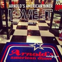 Foto scattata a ARNOLD'S American Diner da Davide C. il 5/15/2013
