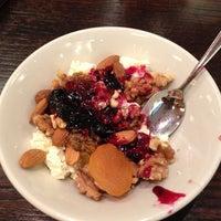 Снимок сделан в Кафе и суши-бар фитнес-клуба «Онѣгинъ» пользователем Jurgis P. 11/23/2012