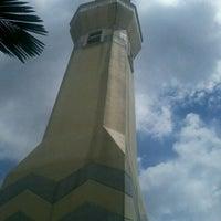 Photo taken at Masjid Jamek Sultan Abdul Aziz by Roslan B. on 1/25/2013