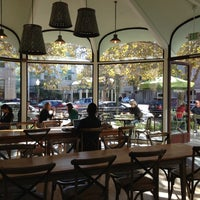 Photo taken at La Boulange de Palo Alto by USK on 11/4/2012