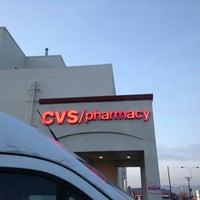 Photo prise au CVS/pharmacy par Ginger M. le3/27/2013