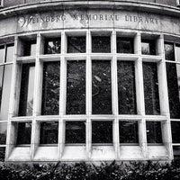 Foto tomada en Weinberg Memorial Library (University of Scranton) por Jason S. el 2/20/2013