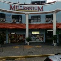 Foto tirada no(a) Shopping Millennium por Pedro B. em 3/30/2013