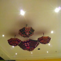 Photo taken at Taste Of India Cuisine || مطعم المذاق الهندي by Mezoo Q. on 4/4/2013