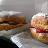 Photo taken at Upper Nine Doughnut by Angee J. on 8/10/2013